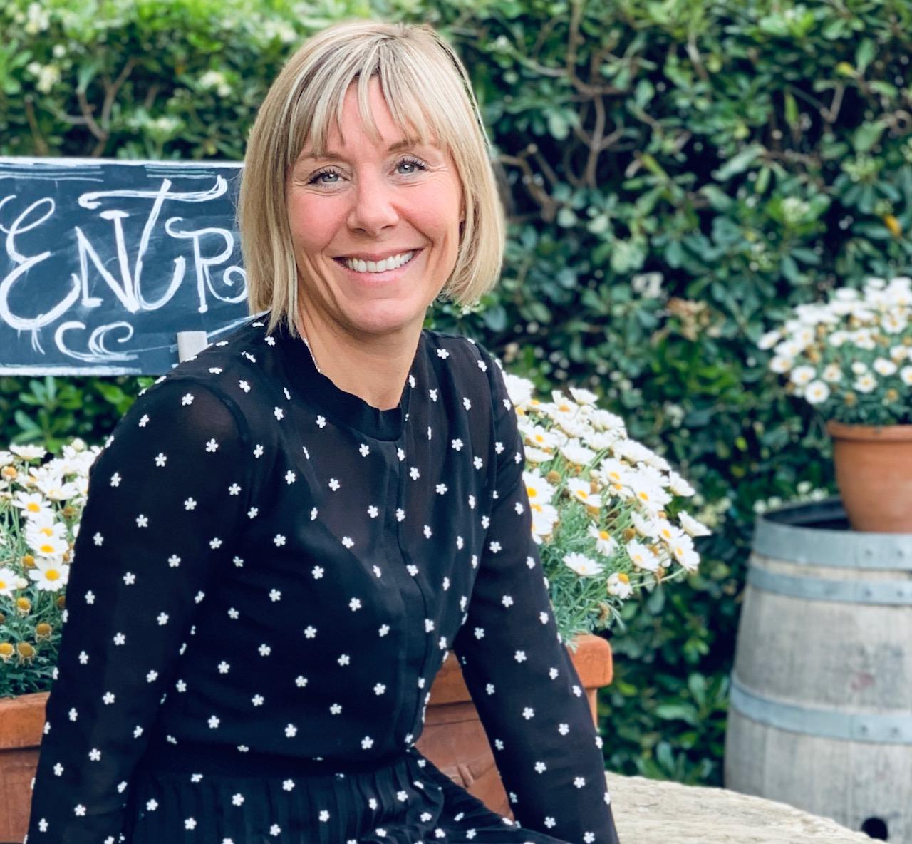Julie HAMBENNE